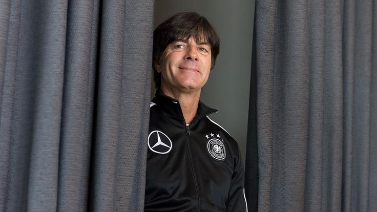 Im letzten Länderspiel des Jahres will Bundestrainer Joachim Löw ein paar Varianten testen. Das Erste überträgt das Prestigeduell Italien – Deutschland live. Hier gibt es den Livestream und alle Infos zur TV-Übertragung.