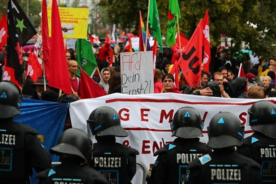 Interior Ministry of Germany shows figures that at least 950 attacks occurred in Germany on Muslims and Islamic institutions last year.