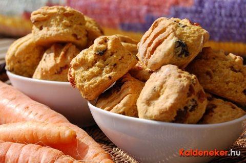 Újabb süteményt mutatok sárgarépából. Bolondítsd meg mazsolával és ne csodálkozz, ha nyulak jelennek meg a konyhádban!...