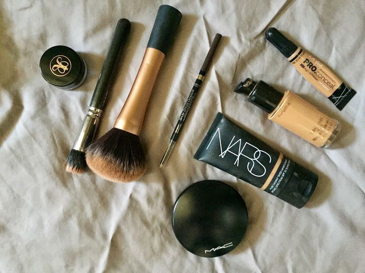 Summer Makeup Must Haves: 8 Products I Can't Live Without - http://yo-toi.com/2017/06/25/summer-makeup-must-haves/?utm_source=Pinterest&utm_medium=yo-toi.com&utm_campaign=Summer+Makeup+Must+Haves%3A+8+Products+I+Can%E2%80%99t+Live+Without