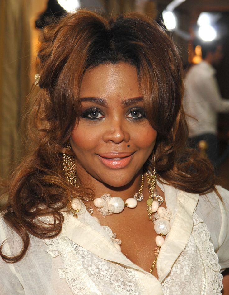 See Lil' Kim's Shocking Transformation Right Before Your Eyes