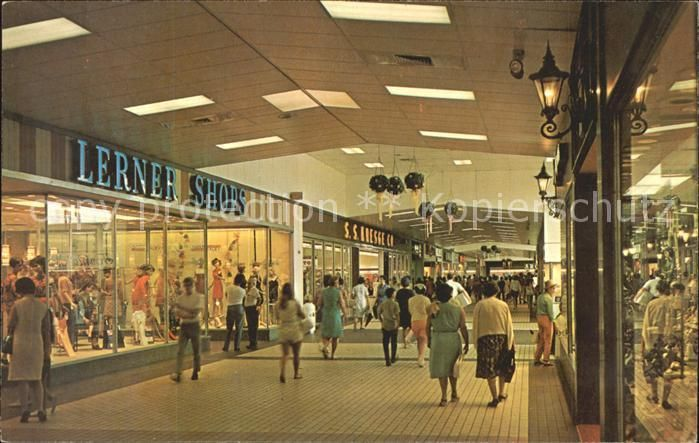 Evergreen plaza in evergreen park il in 1965 calling all for Evergreen shop