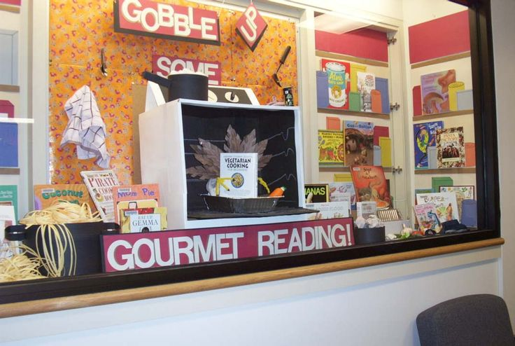 Decorating Ideas > Great Cookbook Display Idea (initially A Thanksgiving  ~ 073412_Thanksgiving Library Decorations