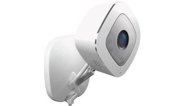 Überwachungskameras warnen nicht nur vor Einbrüchen, sie helfen auch dabei, die Diebe zu identifizieren. Aber nicht jede Kamera leistet hier erstklassige Arbeit - das zeigt unser Überwachungskamera-Test. Wir zeigen Ihnen die besten Modelle im Vergleich. In unserer neuen Bestenliste sehen Sie zudem alle Überwachungskameras im Test