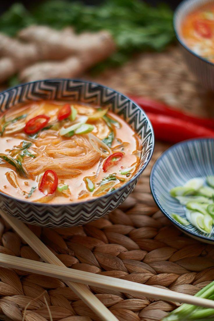 Red Thai Curry Suppe mit gekochtem Hähnchen und Pak Choi – Thai Red Curry …   – Lecker