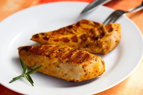 Paleo BBQ Chicken with Moroccan Spice Recipe. Perhaps one of the most popular and versatile #proteins worldwide is chicken. Ranging from roasting, broiling, grilling, frying, poaching and sautéing, #chicken meat can be cooked in a variety of ways and still turn out to be delicious, just like this paleo #bbq chicken #recipe below! #paleochoice