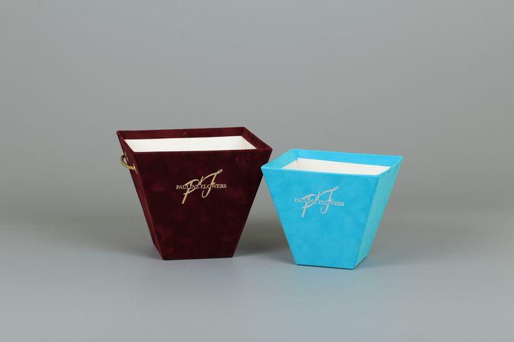Бархатные коробки для цветов от 365 руб смотрите на нашем сайте  #эстетис, #estetis,  #коробкасцветами, #цветывкоробке, #flower, #flower_box, #Flowerbox, #флористы, #флористическийтренд,  #цветы, #доставкацветов, #тренды, #flowerbouqet, #luxuryflowers #розавстекле #необычныйбукет #флористическийсалон #цветывбархатнойкоробке  #бархатнаякоробочка #европейскаяфлористика #СтильныеБукеты  #флористикасегодня #флориствмоскве  #цветывкубе  #цветывмоскве #хрустальныйкуб #коробочкасчастья…