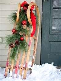 what a cute front door decorating idea