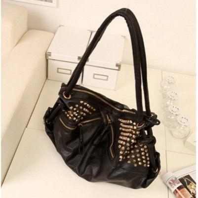 "@cs.ordersis's photo: ""Handbag : K261 BLACK ""Material:  Kulit PU Height:  31 cm Length:  52 cm Depth:  10 cm Bag Mouth:  Zipper Long Strap:  Yes Weight:  800g"" Rp170,000  #handbag #bag #tas #ordersis"""
