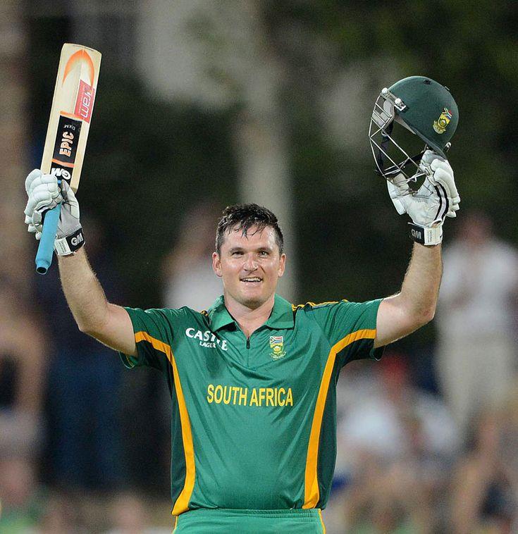 Graeme Smith (SA) 116, made his 10th ODI hundred, vs New Zealand, 3rd ODI, Potchefstroom, 25 Jan 2013