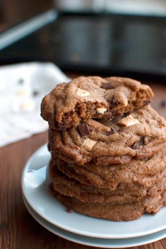 Brown Sugar Chocolate Chip Cookies: Sugar Cookies, Chocolate Chips, Brown Sugar, Chocolates Chips Cookies, Cookies Recipes, Semisweet Chocolates, Sugar Chocolates, Food Cookies, Delicious Cookies