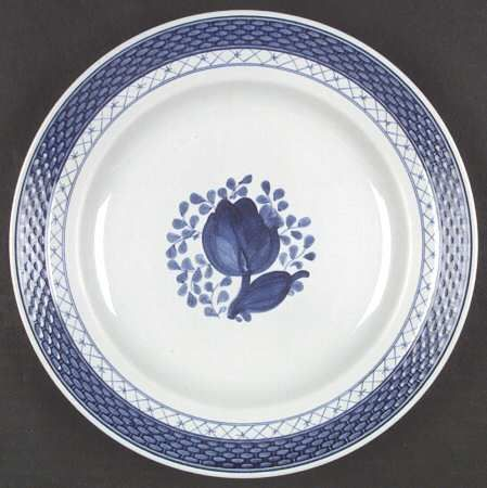Royal Copenhagen - Tranquebar.  One of my favourite patterns.