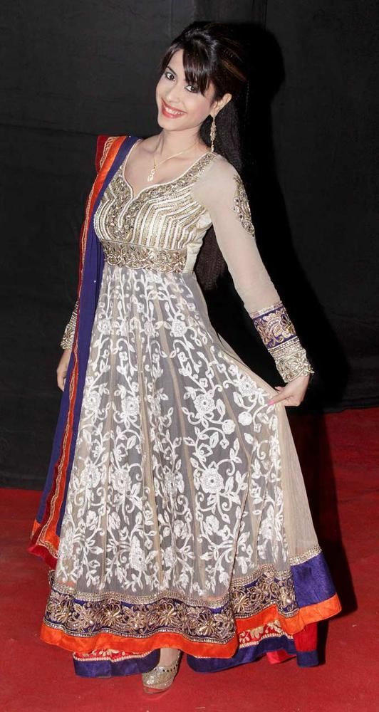 Dimple Jhangiani at the third edition of the Colors Golden Petal Awards. #Fashion #Style #Bollywood #Beauty