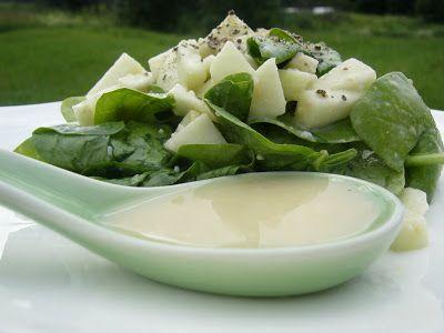 Tout Cru Dans Le Bec: Épinards et pommes, sauce au miso blanc
