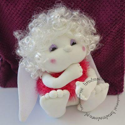 HANDMADOWO: Zainteresowany amorek #handmade #doll #anioł #aniołek #angel #szyte #pszczoła #przebranie #fuksja #lalka #śmieszne