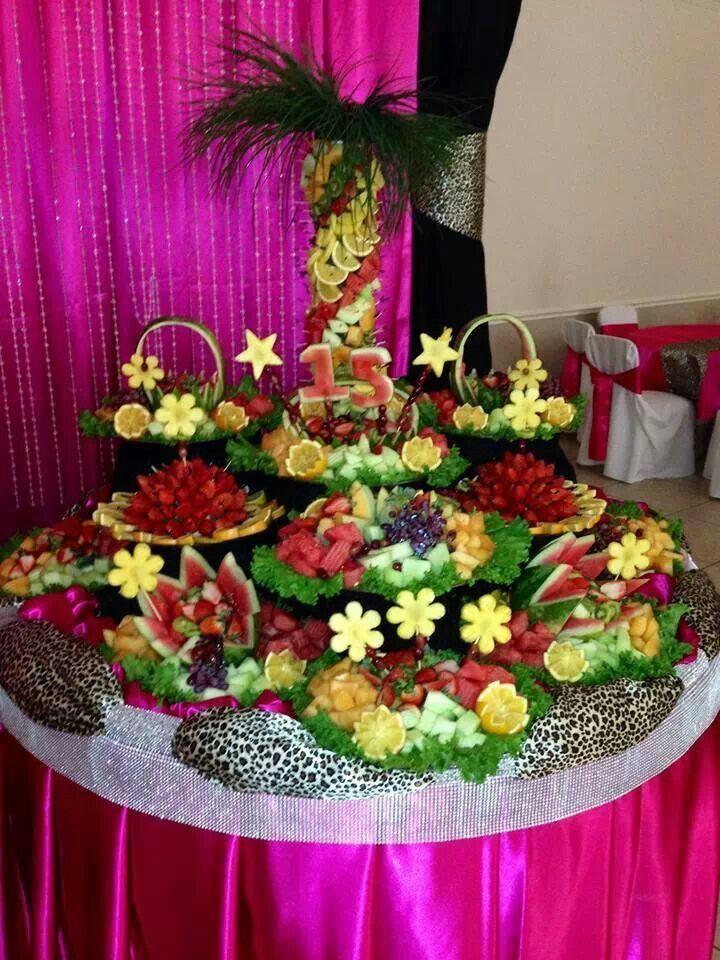 Pretty Fruit Displays | Beautiful fruit table