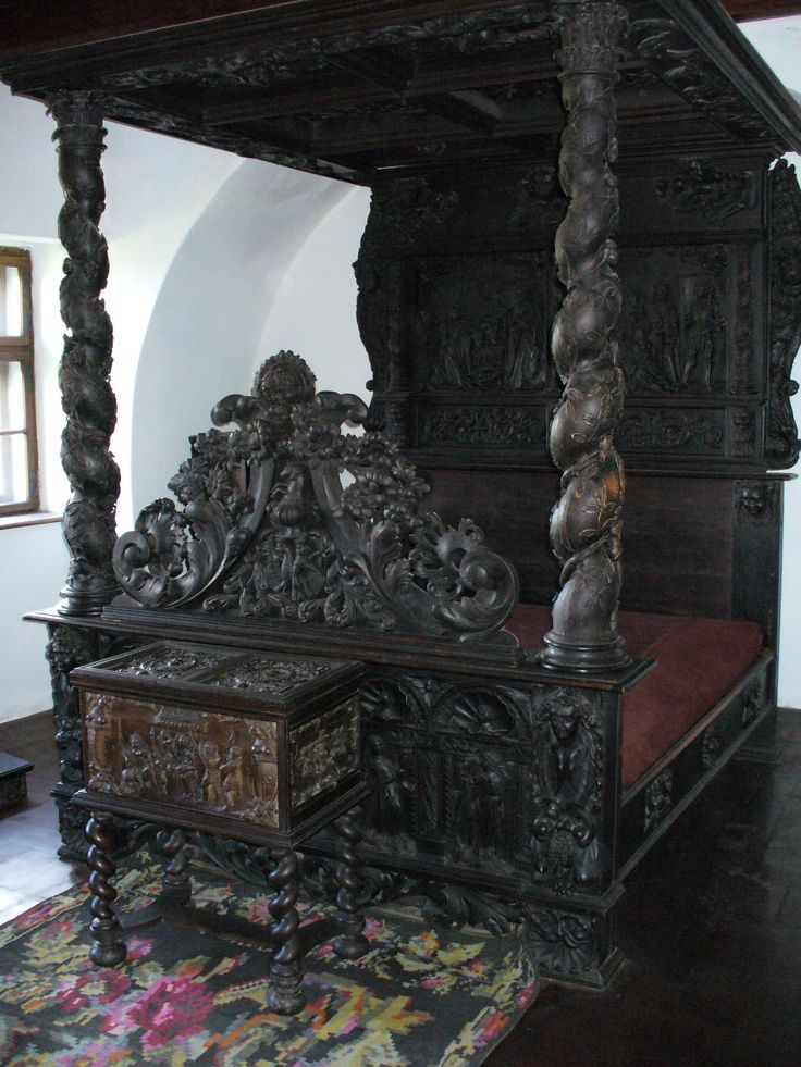 Bran castle interior, Bran Romania (Dracula's castle).. And spend the night in this bed. How amazing would that be?!? Ummm.NO?