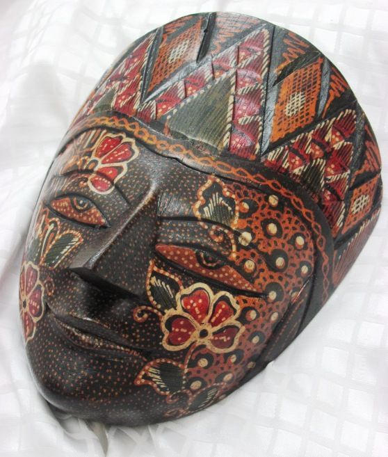 Wooden Batik of Krebet Besides batik cloth, another interesting souvenir from Jogjakarta is wooden batik craft. Wooden batik crafts, many of them are produce in Krebet village, Bantul, Jogjakarta. The resulting products are wooden masks, accessories, wall decorations, and much more.