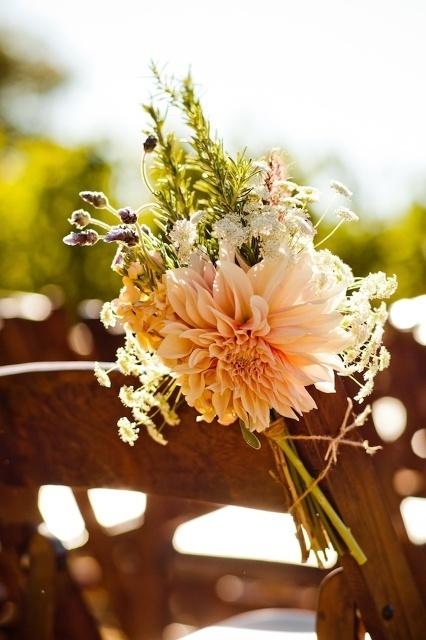 loooooove.: Cream Dahlias, Aisle Style, Flower Dahlias, Dahlias Aisle, Chairs Decor, Aisle Markers, Aisle Flower, Ceremonies Decor, Aisle Decor