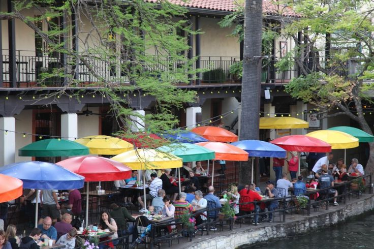 San Antonio's River Walk is one of the highlights of visiting the city, so make sure to spend some time there. Here you will find a large number of bars, restaurants, shops, hotels plus water taxis and more. The central part can be very crowded, therefore, I prefer the less touristed areas of the River Walk. #globalphile #travel #tips #destinations #lonelyplanet #roadtrip2016 #sanantonio http://globalphile.com/city/san-antonio-texas/