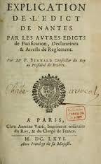 In 1598 werd door koning Hendrik IV het Edict van Nantes ingevoerd. In 1685 werd dat Edict van Nantes opgeheven door koning Lodewijk XIV. Dit betekende dat alle inwoners van FR hetzelfde geloof als de koning moesten hebben. Aangezien koning Lodewijk XIV katholiek was, waren de protestanten niet meer welkom in FR. Hugenoten moesten of zich bekeren of vertrekken uit FR. Rond 1690 vluchtten vele hugenoten vanuit FR naar NL, omdat er in NL godsdienstvrijheid was.