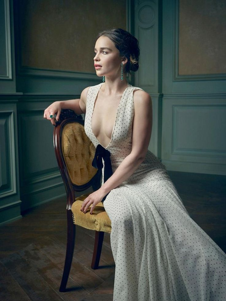 Emilia Clarke Photography by Mark Seliger's 2016 Oscar Party Vanity Fair.