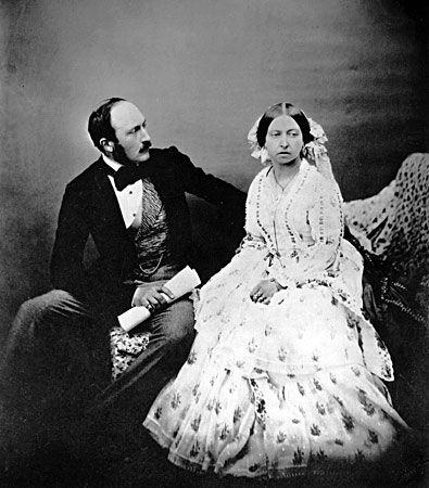 Queen Victoria and Prince Albert: Love Dresses, Queen Victoria, British Royals, Prince Albert, Victorian England, Victoria And Albert, Victorian Era, Royals Families, Floral Prints Dresses