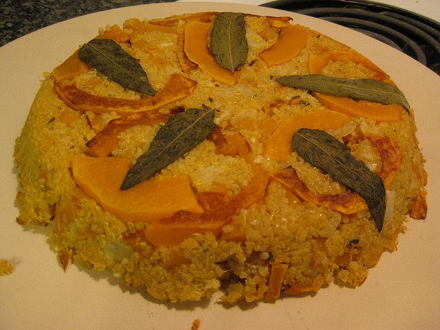 Quinoa cu mere - un mic dejun sățios, o gustare rapidă sau un desert rece sau cald, este o variantă delicioasă și sănătoasă pentru cei mici în special.
