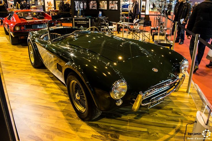 #AC #Cobra au salon Retromobile à #Paris Reportage complet : http://newsdanciennes.com/2016/02/08/grand-format-retromobile-2016/ #Vintage #VintageCar