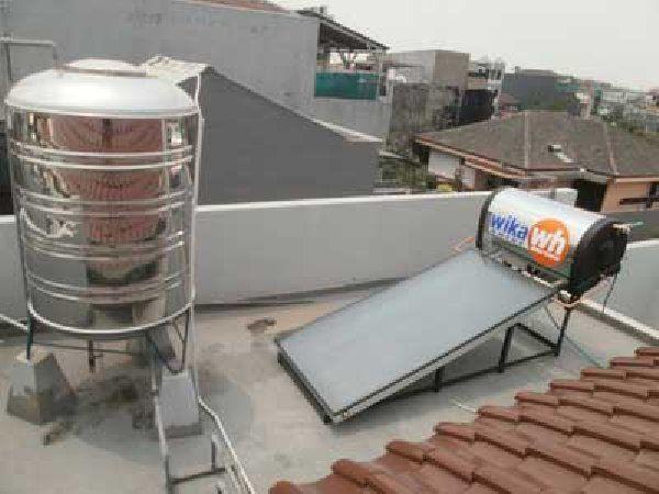 """Service Wika Swh Pamulang  Hp 082111562722 Terdiri dari : Panel Kolektor dan Tangki yang terhubung dengan dua pipa aksesoris. Panel Kolektor berpenutup kaca dengan rangkaian pipa tembaga didalamnya (Sirip Absorber) berfungsi sebagai penangkap panas sinar matahari.Tangki berfungsi sebagai """"thermos"""" (tempat penyimpanan air berinsulasi) yang mampu menahan penurunan panas air secara minimal."""