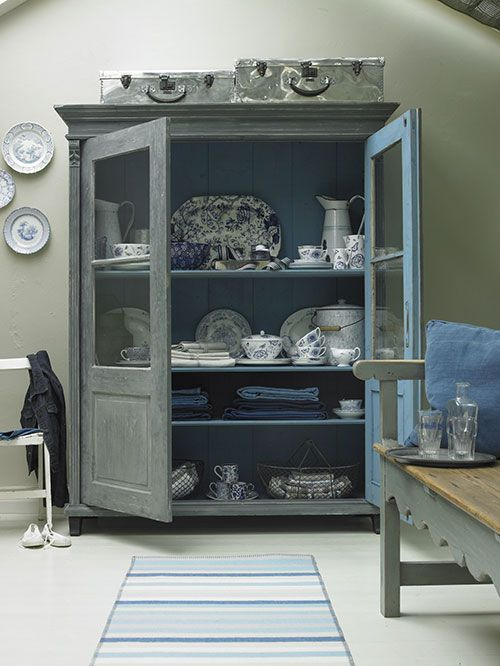 Hutch with blue and white dishes