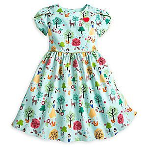 This short-sleeve dress features Snow White and her woodland creature friends in a colorful, allover pattern. As comfortable as it is stylish, this dress will make your little princess feel like the fairest one of all.