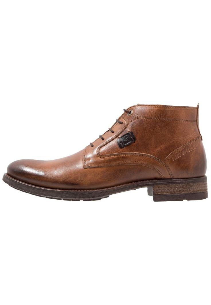 ¡Consigue este tipo de zapatos con cordones de Redskins ahora! Haz clic para ver los detalles. Envíos gratis a toda España. Redskins FILET Zapatos con cordones cognac: Redskins FILET Zapatos con cordones cognac Zapatos   | Material exterior: piel, Material interior: combinación de piel/tela, Suela: fibra sintética, Plantilla: cuero | Zapatos ¡Haz tu pedido   y disfruta de gastos de enví-o gratuitos! (zapatos con cordones, laces, lace-up, laceups, brogue, oxfords, trench, cap, vestir, a...