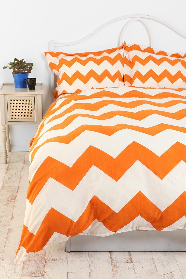 orange chevron stripes!