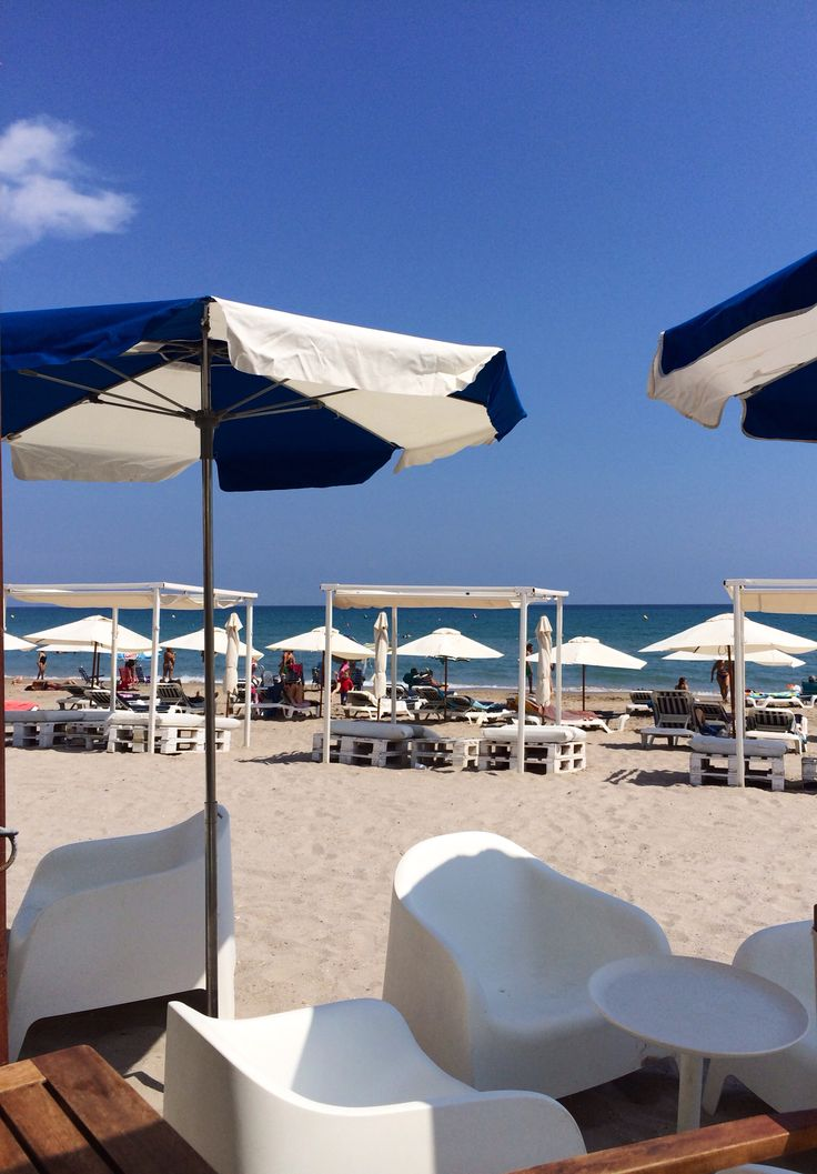 Lunch at San Juan beach, Alicante