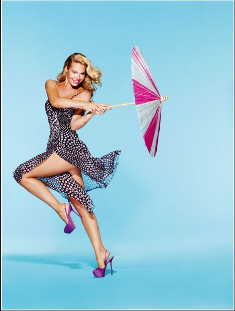 Protagonista di una copertina d'eccezione #IlaryBlasi per #VanityFair @StudioDaylight #pinup #pinupgirlart #vintagestyle #fashion #burlesque #brandmodel #brand #model #promomodel #lifestyle #umbrella #vintage #italiangirl