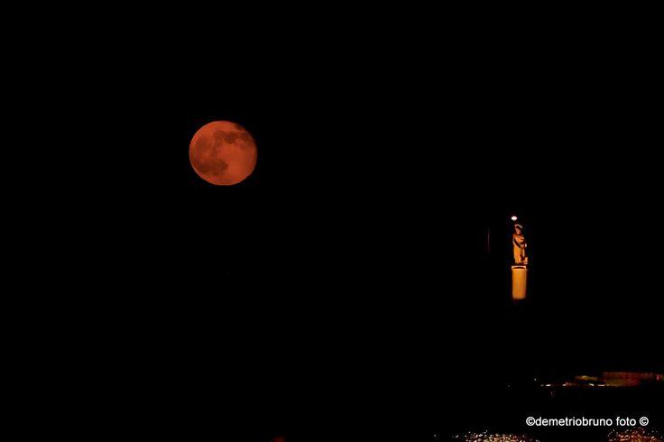 Luna piena ad Acitrezza, statua di S.Giovanni