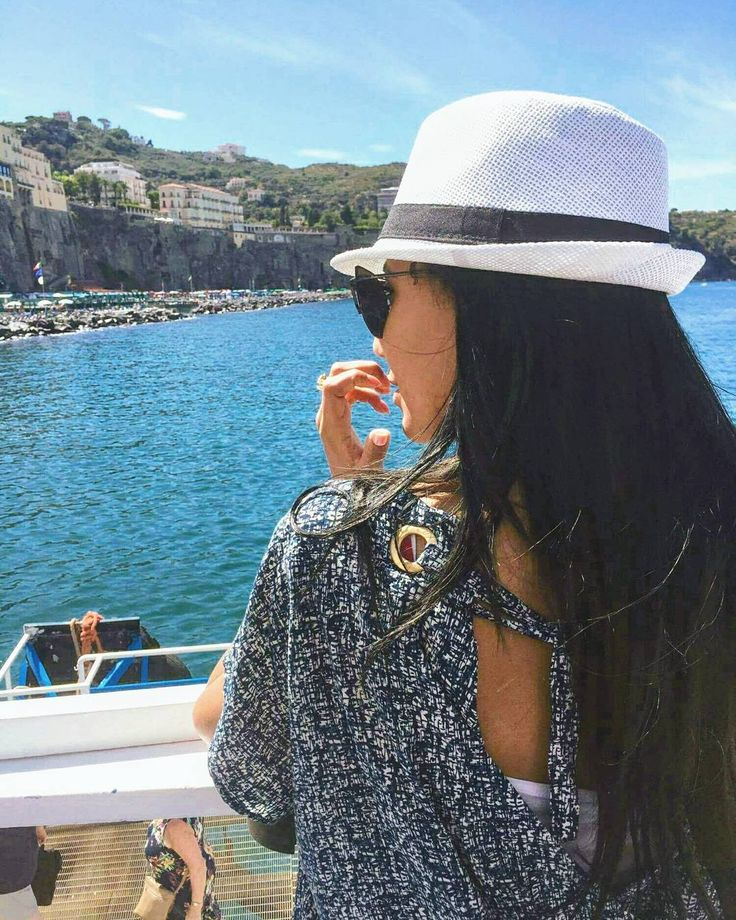 Take that snapshot make that special moment last forever����Missing Sorrento����#memories ⏩⏩Happy Thursday ⏩⏩ - - - - -  #almaficoast#sorrento#positano#travelblogger#instatravel#traveladdict#traveldiaries#ootd#picoftheday#styleblogger#stylediaries#fashionblogger#fashiondiaries#moroccangirl#boat#sea#seaview#yacht#yachtlife#sailing#boating#bluesea#trowback#tbt#quotes#lifequotes#happythursday#italie http://quotags.net/ipost/1639345269882428417/?code=BbAH9ZbjxwB