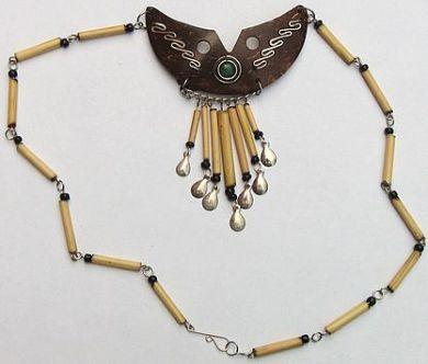 Peruanischer #Folkloreschmuck, #Halskette aus Bambus und Horn
