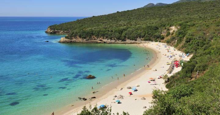 A una distancia de entre 30 minutos y dos horas, 14 arenales perfectos para escapadas surfistas y familiares desde la capital portuguesa
