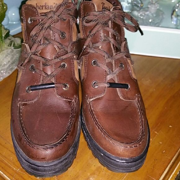 Like new timberland boots/flash sale Great for a hike or just running around. Super comfortable.  Brown leather. Timberland Shoes