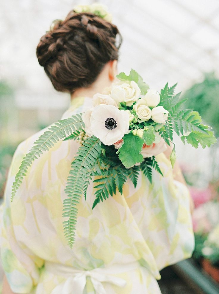 Leafy green, gold and 'elegant luxe' inspiration for brides. Shoot styling + concept by The Wedding Bazaar, film photography by Georgina Harrison.