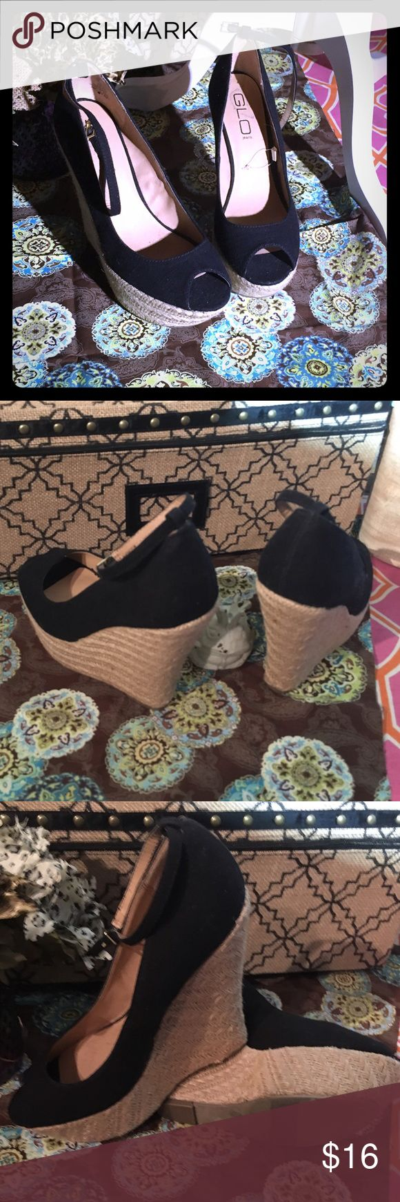 GLO jeans Wedges NWOT Black peep toe wedges with the woven straw design. GLO Jeans Shoes Wedges