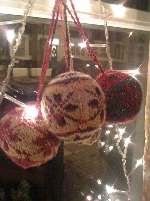 Ravelry: hanwellknitter's Christmas 2011 Baubles