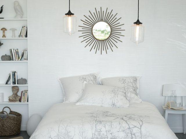 chambre avec miroir au dessus de la tête de lit inspiration dco