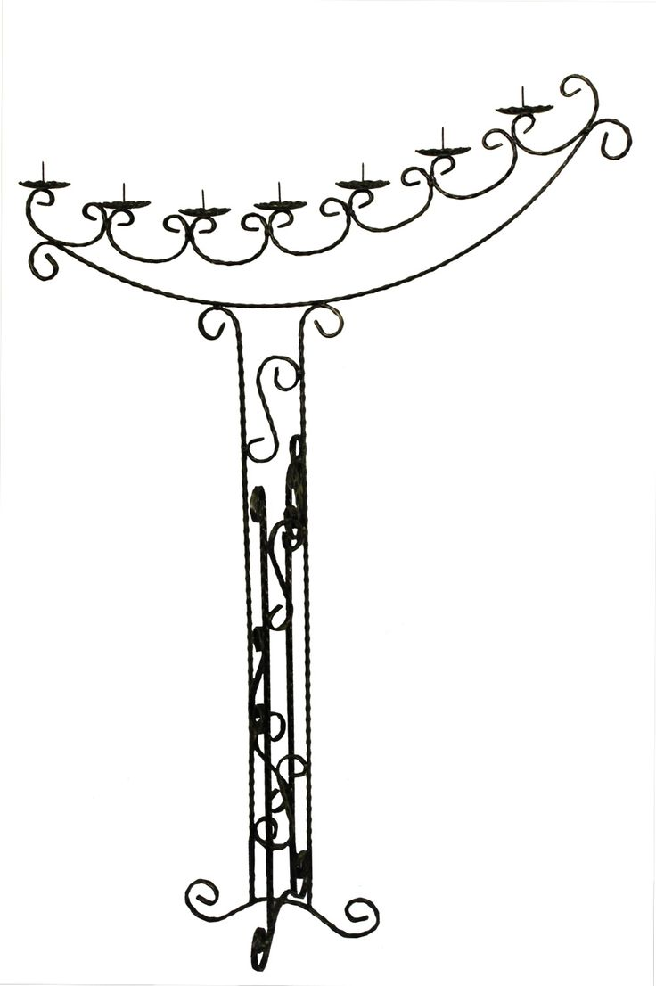 Suport semiluna pentru lumanari. Acest suport este ideal pentru evenimente de genul nunti, cununii, botezuri. Mai multe informatii despre pretul produsului si detalii gasiti in linkul http://www.metaldesign.ro/ro/suporti-lumanari-din-fier-forjat/500-suport-fier-forjat-7-lumanari.html