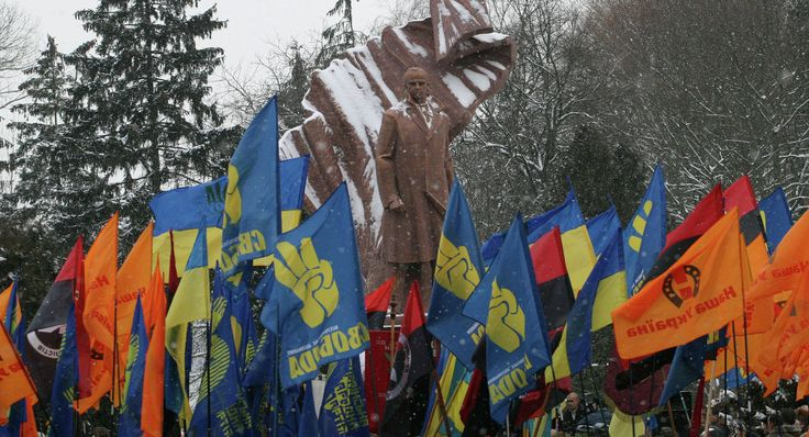 Monument to OUN leader Stepan Bandera unveiled in Ternopil, Ukraine