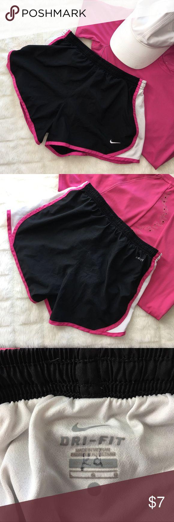 Nike Dri-Fit Shorts Pink and black. Junior Large. Nike Bottoms Shorts
