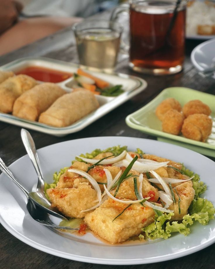 """#Bali. Smooth as silk and melted in my mouth... and also really tasty """"Tahu Asam Manis"""" at @CafeTahu. All dishes here were made from their fresh homemade tofu #Baturiti #Bedugul."""