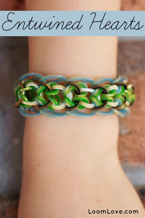 how to make love heart with loom bands